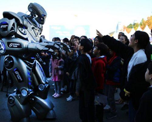 Daejeon Science Festival-South Korea-October 2018 대전 과학 축제 타이탄 로봇